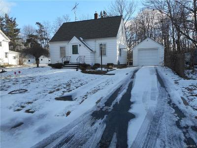 Niagara County Single Family Home A-Active: 8414 Maplewood Drive