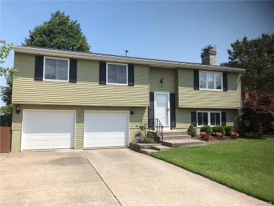 Orchard Park Single Family Home A-Active: 2 Vermont Pl
