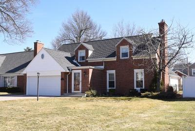 Single Family Home A-Active: 90 Grimsby Road West