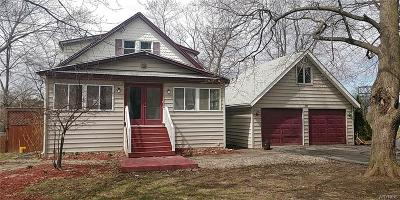 Lewiston NY Single Family Home A-Active: $159,200