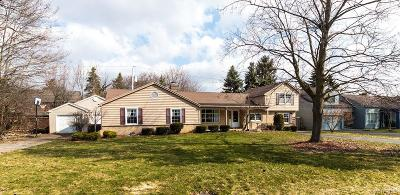 Amherst Single Family Home A-Active: 2 Cloister Court