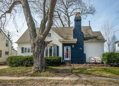 Single Family Home U-Under Contract: 31 Marlowe Avenue