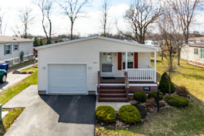 Clarence Single Family Home For Sale: 9791 Tobermory Avenue