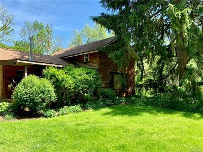 Elma Single Family Home For Sale: 431 Stolle Road