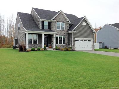 Niagara County Single Family Home For Sale: 4974 Cloverleaf Lane