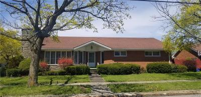 Single Family Home A-Active: 2546 Parkview Drive
