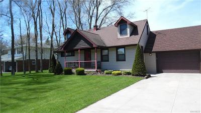 Lewiston NY Single Family Home A-Active: $229,000