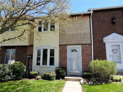 Orchard Park Condo/Townhouse Pending: 142 Stepping Stone Lane