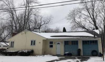 Lewiston NY Single Family Home A-Active: $186,560