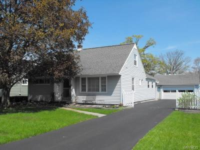 Lewiston NY Single Family Home A-Active: $179,500