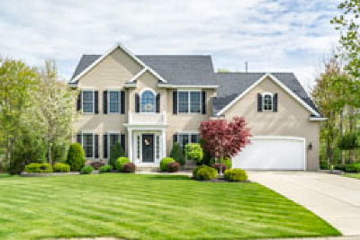Orchard Park Single Family Home A-Active: 80 Breezewood Drive