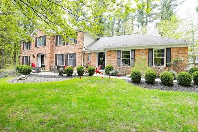 Orchard Park Single Family Home U-Under Contract: 6 Greenwood Drive
