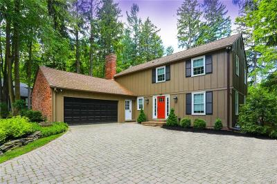 Orchard Park Single Family Home For Sale: 17 Pine Terrace