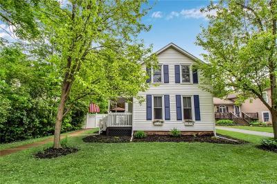 Aurora Single Family Home For Sale: 232 Walnut Street
