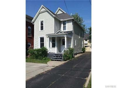 Lockport-City Single Family Home For Sale: 37 Park Place