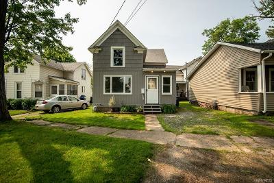 Lockport-City Single Family Home For Sale: 203 Union Street