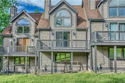 Condo/Townhouse A-Active: 12 Slopeside Rd-The Woods