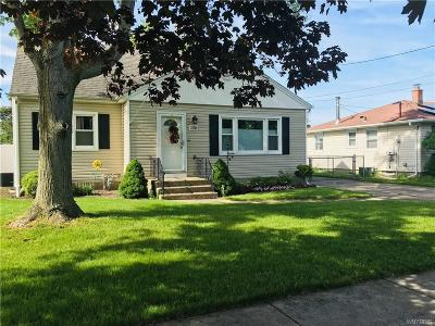 North Tonawanda Single Family Home For Sale: 508 Orchard Place