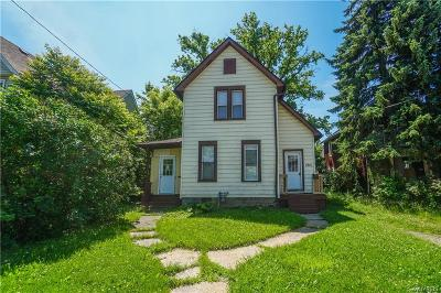 Niagara Falls Single Family Home For Sale: 1941 Lockport Street