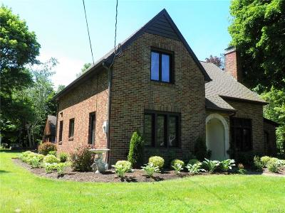 Single Family Home For Sale: 9705 Clarence Center Road