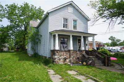 Niagara Falls Single Family Home For Sale: 1048 Fairfield Avenue