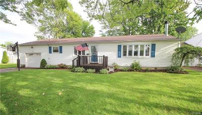 North Tonawanda Single Family Home For Sale: 364 Oakdale Drive