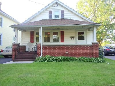 Lockport-City Single Family Home For Sale: 747 Walnut Street