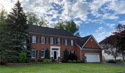 Amherst Single Family Home Pending: 63 Sable Run