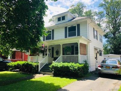 Niagara Falls Single Family Home For Sale: 140 68th Street
