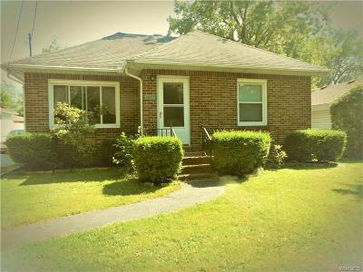 North Tonawanda Single Family Home For Sale: 1677 Linden Avenue