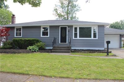 North Tonawanda Single Family Home For Sale: 867 Remington Drive