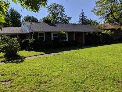 Amherst NY Single Family Home For Sale: $199,900