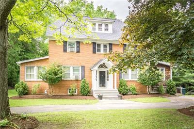 Orchard Park Single Family Home For Sale: 7014 Quaker Road