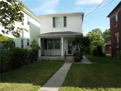 Niagara Falls Single Family Home For Sale: 2427 Welch Avenue