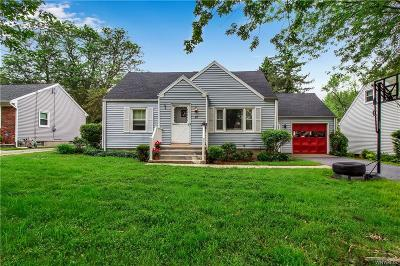 Amherst Single Family Home For Sale: 22 Hillside Drive