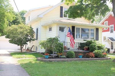 Amherst Single Family Home For Sale: 46 California Drive