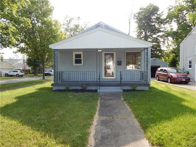 Niagara Falls Single Family Home For Sale: 502 77th Street