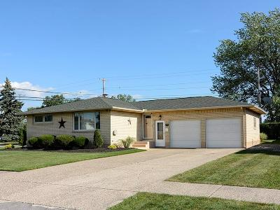 Erie County Single Family Home For Sale: 107 Diane Drive