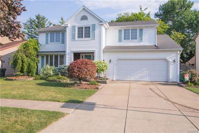 North Tonawanda Single Family Home For Sale: 679 Fairmont Ave
