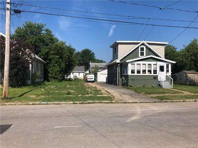 Niagara Falls Single Family Home For Sale: 250 70th Street