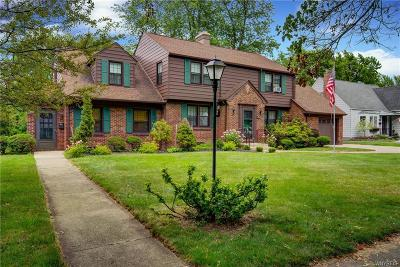 Erie County Single Family Home For Sale: 100 Lafayette Boulevard