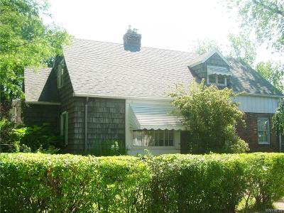 Erie County Single Family Home For Sale: 1 Treehaven Road