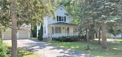 Lewiston Single Family Home For Sale: 220 S 7th Street