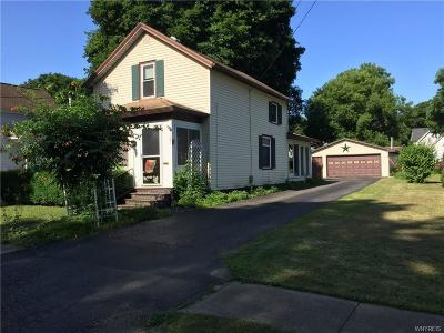 Warsaw Single Family Home For Auction: 121 Center Street
