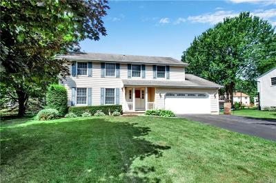 Orchard Park Single Family Home For Sale: 22 Green Lake Drive
