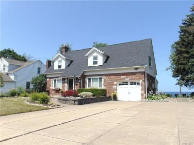 Hamburg Single Family Home For Sale: 4750 Clifton Parkway