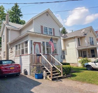 Batavia-City NY Single Family Home For Sale: $84,900
