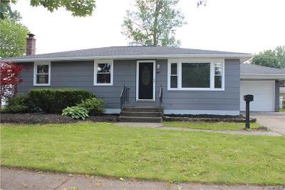 North Tonawanda Single Family Home For Sale: 867 Remington Drive