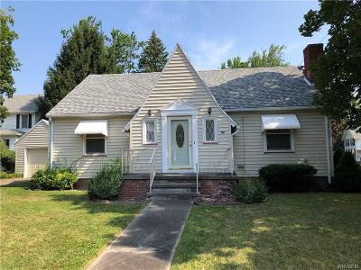 Batavia-City NY Single Family Home For Sale: $109,000