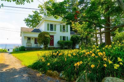 Orchard Park Single Family Home For Sale: 7613 Behm Road